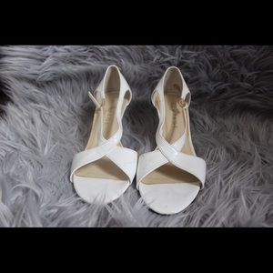 Rampage white wedges